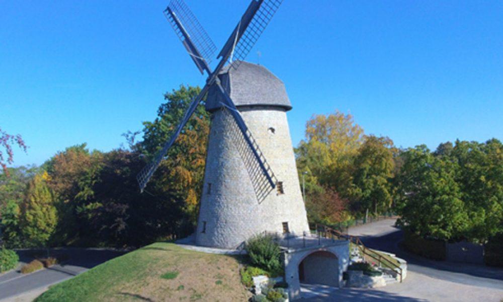 Die Windmühle vor dem Saisonstart