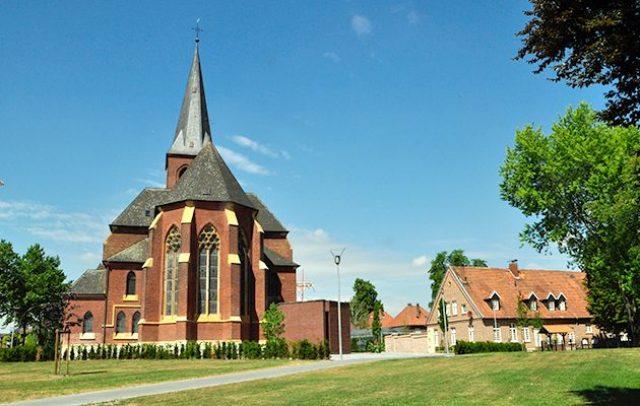St. Laurentius Kirche, Westkirchen